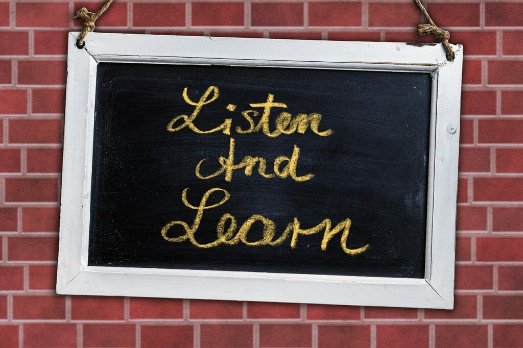 Board Listen And Learn Text Quote  - geralt / Pixabay