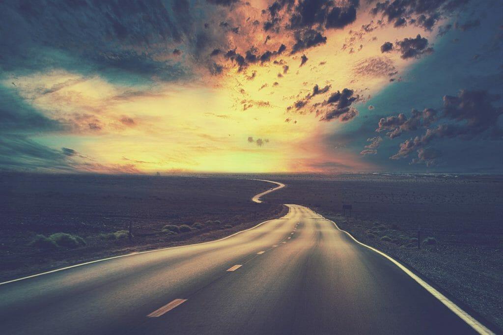 Road Street Desert Barren Highway  - enriquelopezgarre / Pixabay